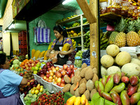 Antigua Market: Fresh fruits