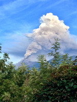 Volcán Fuego is having another period of intense activity again