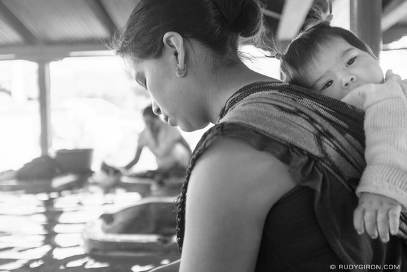 Street Photography — Mother and daughter at the public lavaderos
