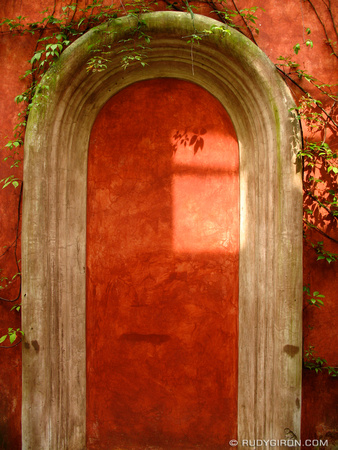Red Wall Niche